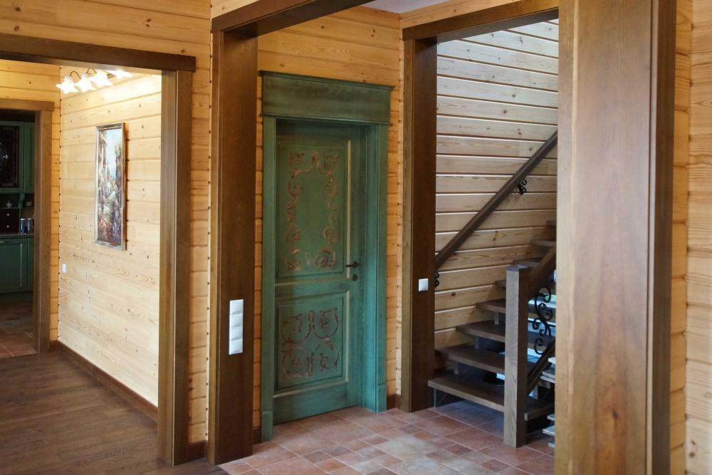 Деревянные балконные двери со стеклопакетом